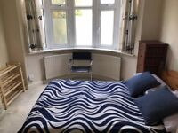 Double Room - stones throw from station!