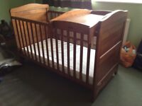 Mamas and Papas cot / cot bed and bedding