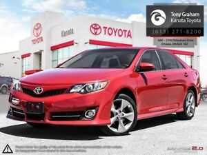 2014 Toyota Camry SE Navigation and Sunroof