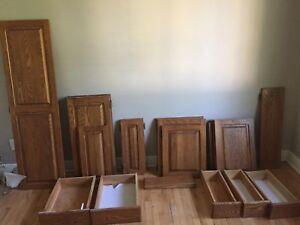 Portes d'armoires en chêne massif