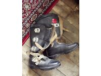 *£15* Vintage Sidi Black Leather Motorcycle boots with clips size UK8