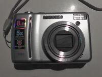 Digital Camera - Samsung - Includes Samsung Case