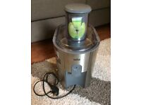 Braun J700 juicer, very good condition, worth £115 new