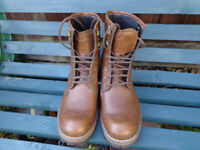 Mens Lee Cooper Leather boots. Size 8 as new