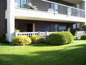 Renovated 2 Bed/Bath Condo! Close to Whyte Ave! Move In Today!