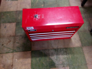 Mastercraft toolbox. Locked with keys. Excellent condition.