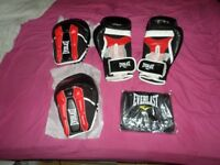 Everlast Prime Boxing Set. Gloves, Pads And Bag_New In Box_Bargain