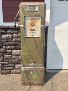 1939 Bowser 6' Electric Gas Pump