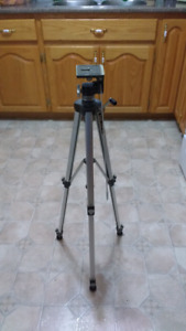 Vintage kenlock 2000 glb camera tripod 50 inches high very good