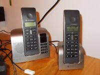 Motorola D212 Handsfree telephone set.