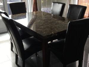 Table pour salle à manger à vendre