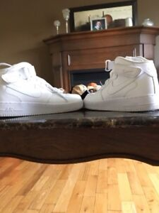 Nike Air Force 1 mid size 8