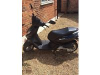 Peugeot Kisbee 50cc Moped Black with Accessories included