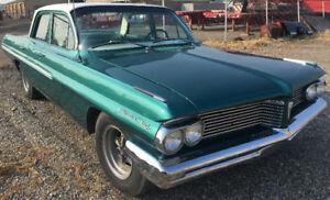 1962 Pontiac Stratochief
