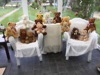 TEDDIE BEARS A VERY NICE COLLECTION OF 16 VARIOUS BEARS. ALL BEARS IN VERY GOOD CONDITION.