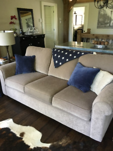 2 PC COUCH AND CHAIR SET