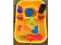 Water and sand table toy