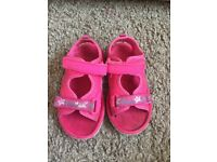 Girls size 7 infant sandals