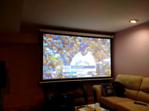 Da lite 92 inch projector screen