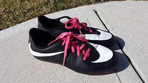 Nike Kids Outdoor Soccer Shoes/Cleats LIKE NEW HALF PRICE