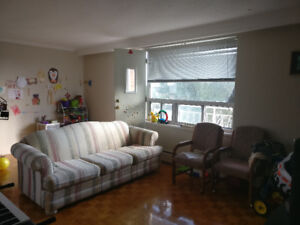 One bed room apartment for rent near Cooksville GO station