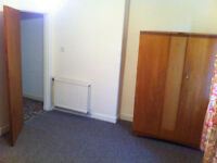 Furnished Rooms available in a shared property near Boohoo