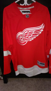Licensed Detroit Red Wings Jersey - size L