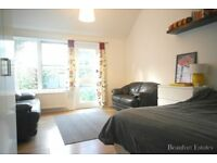SPACIOUS 2/3 DOUBLE BEDROOM TOWN HOUSE WITH GARDEN MOMENTS FROM CALEDONIAN ROAD UNDERGROUND