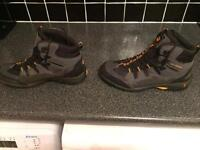 Jack Wolfskin Walking Boots. Size 9.5