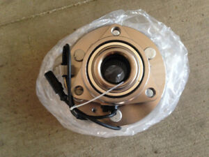 NEW FRONT WHEEL HUB & BEARING ASSEMBLY FOR CHEVY GMC CADILLAC