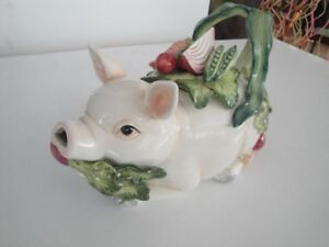teapot Fitz and Floyd pig collection