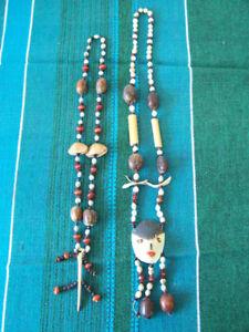2 superbe colliers (proviennent du Pérou)