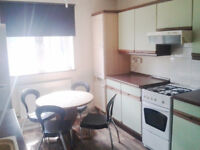 Amaizing twin room available now with all bills inc!