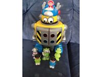 HAPPYLAND LIGHTS AND SOUNDS ROBOT