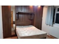 Spacious modern double bedroom for single working person, bills incl , near station or free to park