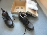 Dr Marten Boot brown color size 9
