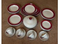 4 place Wedgwood Windsor Grey / Red Tea / Dinner Service Excellent condition