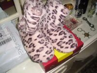bootie slippers size 5 to 6