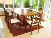 IN EXCELENT CONDITION – EXTENDING DINING TABLE & 6 NEWLY UPHOLSTERD CHAIRS (CAN DELIVER)