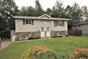 Newer Fully Furnished 2 Bedroom - Petawawa Point!