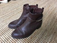 Brown ankle boots, faux leather, New Look, VGC, worn few times, comfy boots, brown shoes, size 6