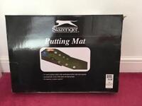 Golf, putting mat