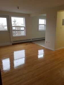 FAIRVIEW 1 BEDROOM APARTMENT WITH BALCONY AVAILABLE SEPT 1ST