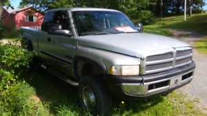Diesel truck   parting out 3500.00  for truck