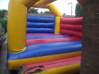 bargain £700 for fast sale Large Adult & Children's Commercial Bouncy Castle