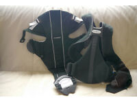 BABY BJORN ACTIVE CARRIER BLACK EXCELLENT CONDITION
