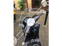 Vespa gts300 piaggio minted condition
