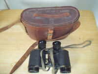 W11 BINOCULARS WITH CASE