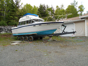 BAYLINER EXCELLENT CONDITION. MANY UPGRADES.