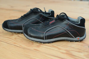 Like new Esprit dress shoes size 2.5